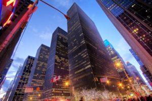 バフェットの会社、バークシャーハサウェイの株購入を検討する!
